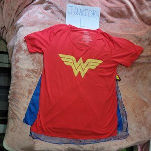 Juniors L DC Comics Wonder Woman Cosplay Graphic Tee & 2 Changeable Capes NWT